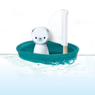 Segelbåt med isbjörn (Plan Toys)